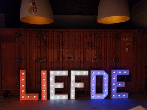 'LIEFDE'<br>€240